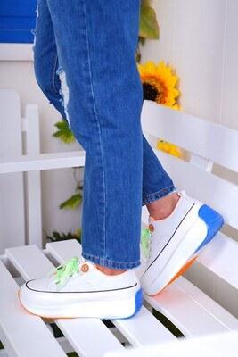 Bağcıklı Beyaz Spor Ayakkabı - Thumbnail