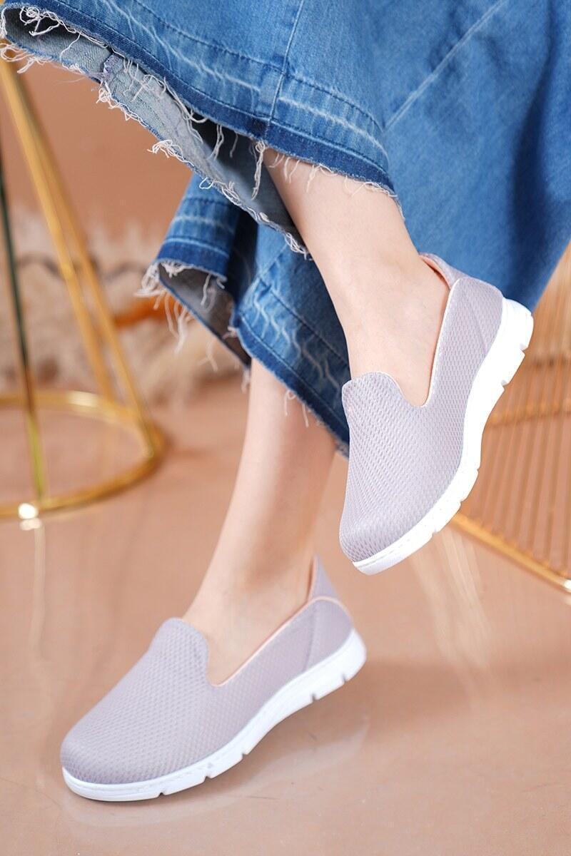 Bayan Fileli Gri Spor Ayakkabı