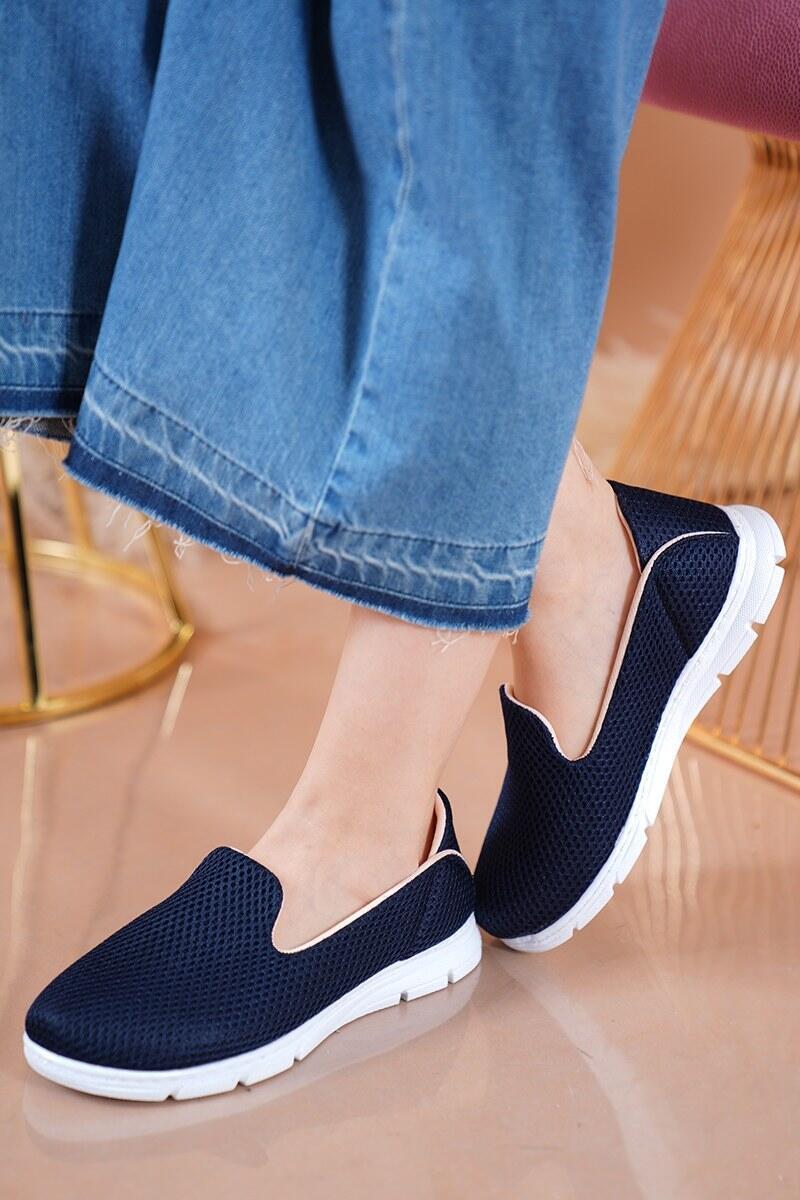 Bayan Fileli Lacivert Spor Ayakkabı