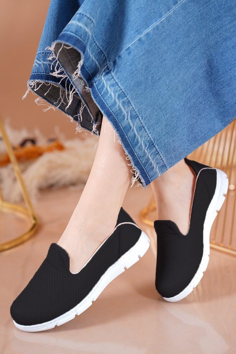 Bayan Fileli Siyah Beyaz Ayakkabı